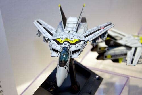 1/100スケール 超時空要塞マクロス VF-1S ファイター ロイ・フォッカー機 2
