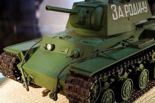 1/16RCタンク ソビエト KV-1 重戦車 前