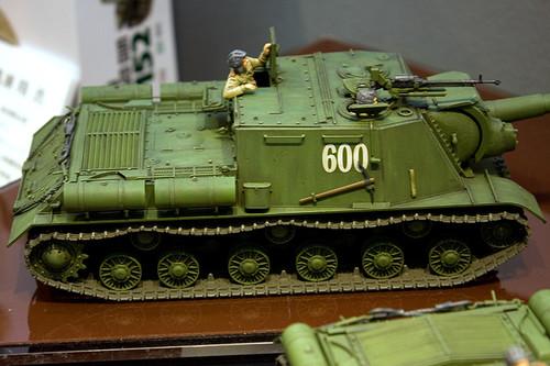 1/35ミリタリーミニチュアシリーズ No.303 ソビエト重自走砲 JSU-152 右
