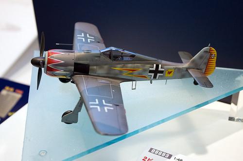 1:48 飛行機シリーズ フォッケウルフ Fw190A-5「グラ-フ」w/フィギュア 全景左