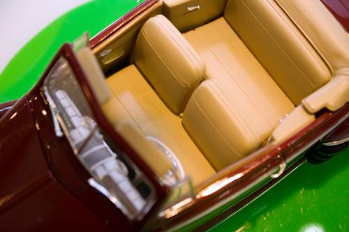 1:25 アメリカレベル '48 フォード コンバーチブル 座席
