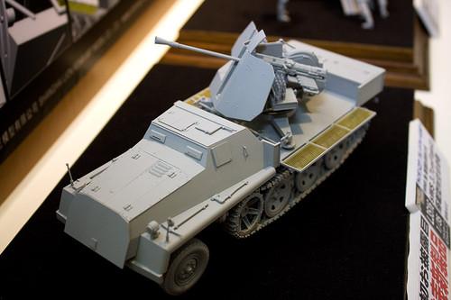 1/35 WWII 独 重国防軍牽引車 sWS 3.7cm Flak43 搭載型対空自走砲 全景左前