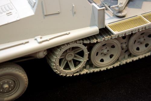 1/35 WWII 独 重国防軍牽引車 sWS 3.7cm Flak43 搭載型対空自走砲 左中アップ