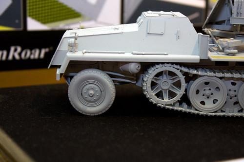1/35 WWII 独 重国防軍牽引車 sWS 3.7cm Flak43 搭載型対空自走砲 左前アップ2