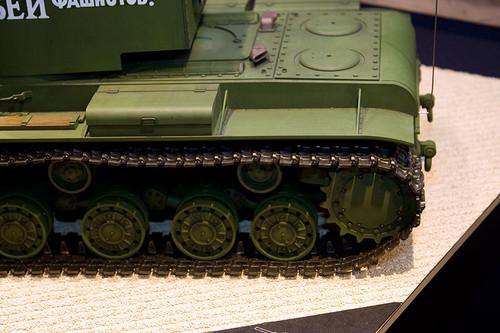 1/16RCタンクシリーズNo.29 ソビエト KV-2 重戦車 ギガント 左後ろアップ