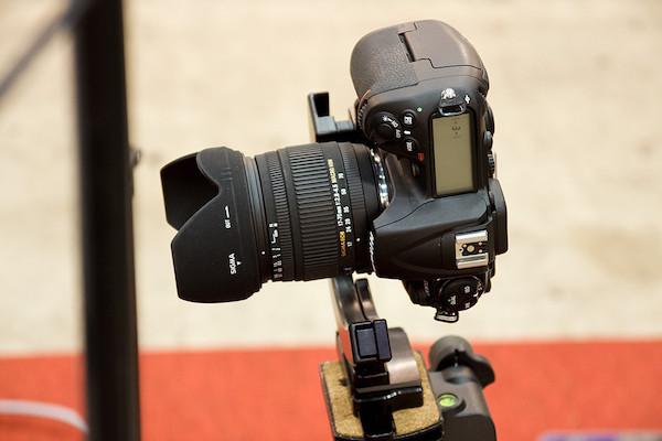 プロの撮影ブース カメラ+三脚 3
