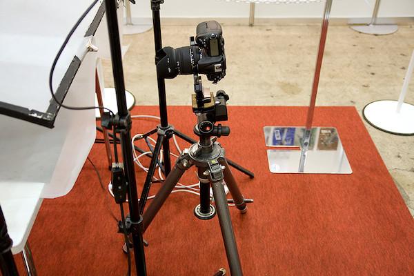 プロの撮影ブース カメラ+三脚 2