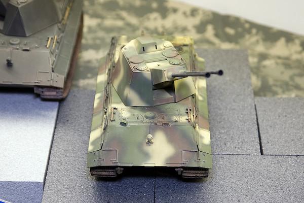 1/35 ドイツ軍 E-75対空戦車 クロコダイル 3