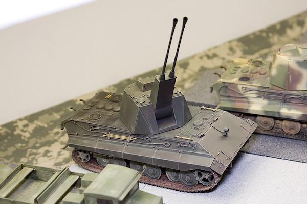 1/35 ドイツ軍 E-50対空戦車 ファルケ 3