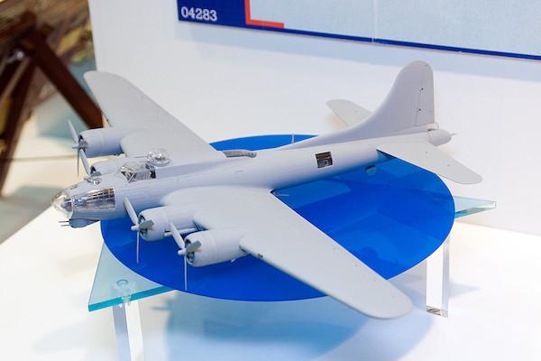 1/72 B-17G フライング・フォートレス 2