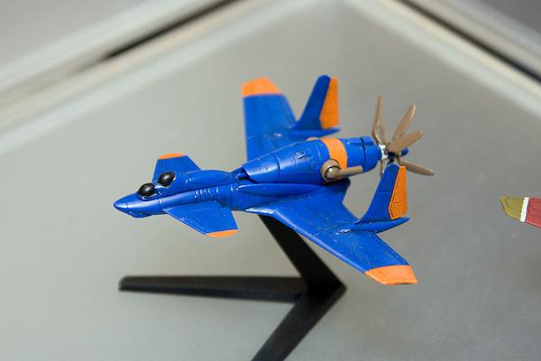王立宇宙軍 オネアミスの翼 1/144 王立空軍主力戦闘機 第三スチラドゥ 3