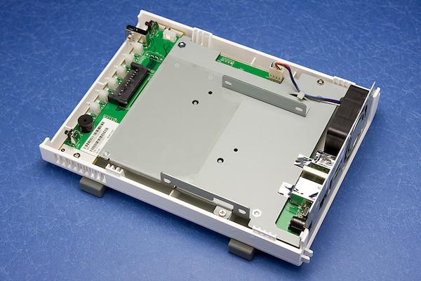 QNAP TS-112 内部