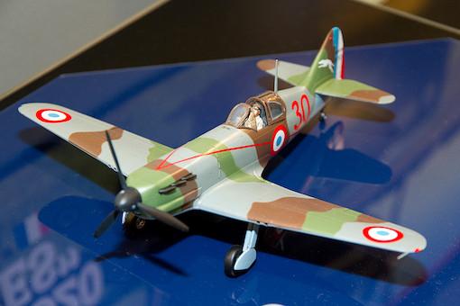 1/48 デヴォアティーヌD.520 エース搭乗機(スタッフカー付き) 6