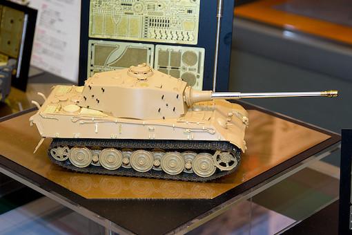 1/35 ドイツ重戦車 キングタイガー(アルデンヌ戦線) 1