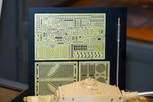 1/35 ドイツ重戦車 キングタイガー(アルデンヌ戦線) エッチングパーツ