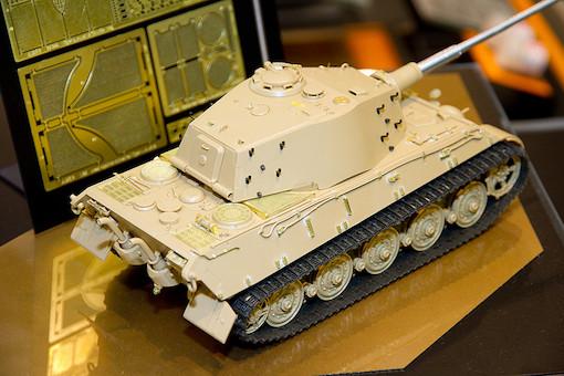 1/35 ドイツ重戦車 キングタイガー(アルデンヌ戦線) 4