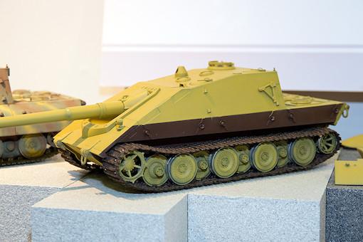 1/35 ドイツ軍 E-100重駆逐戦車 サラマンドル 3