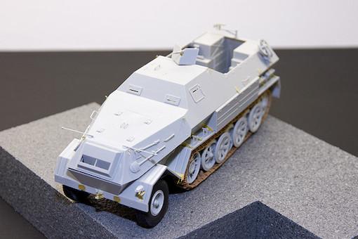 1/35 ドイツ軍 Sd.kfz.8/DB-10 装甲兵員輸送車 1