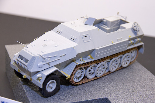 1/35 ドイツ軍 Sd.kfz.8/DB-10 装甲兵員輸送車 3