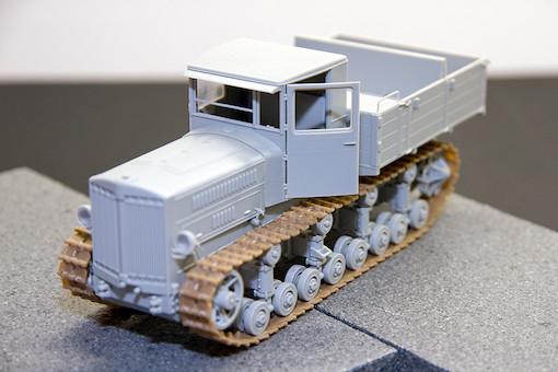 1/35 ソビエト軍 ステーリネッツ S-65 トラクター 1