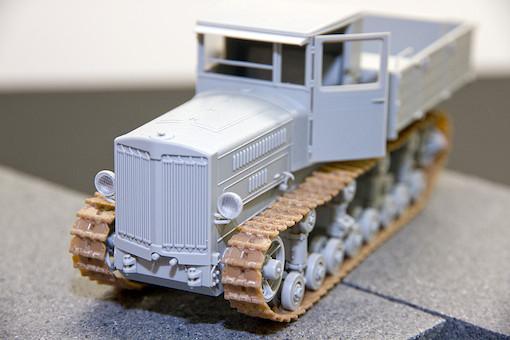 1/35 ソビエト軍 ステーリネッツ S-65 トラクター 2