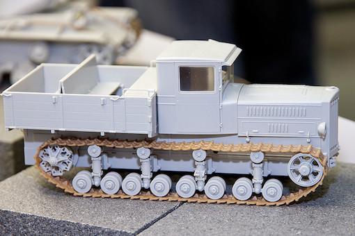 1/35 ソビエト軍 ステーリネッツ S-65 トラクター 4